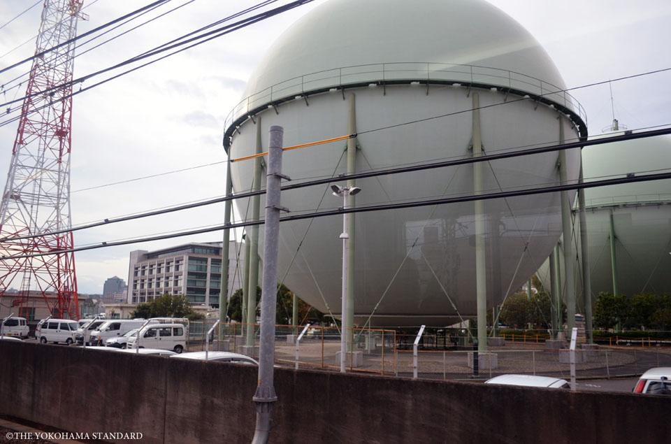 平沼橋のガスタンク-the yokohama standard