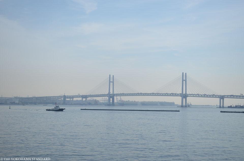 ベイブリッジとタグボート-THE YOKOHAMA STANDARD