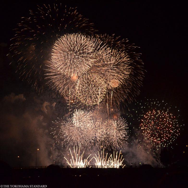 第30回神奈川新聞花火大会1-THE YOKOHAMA STANDARD