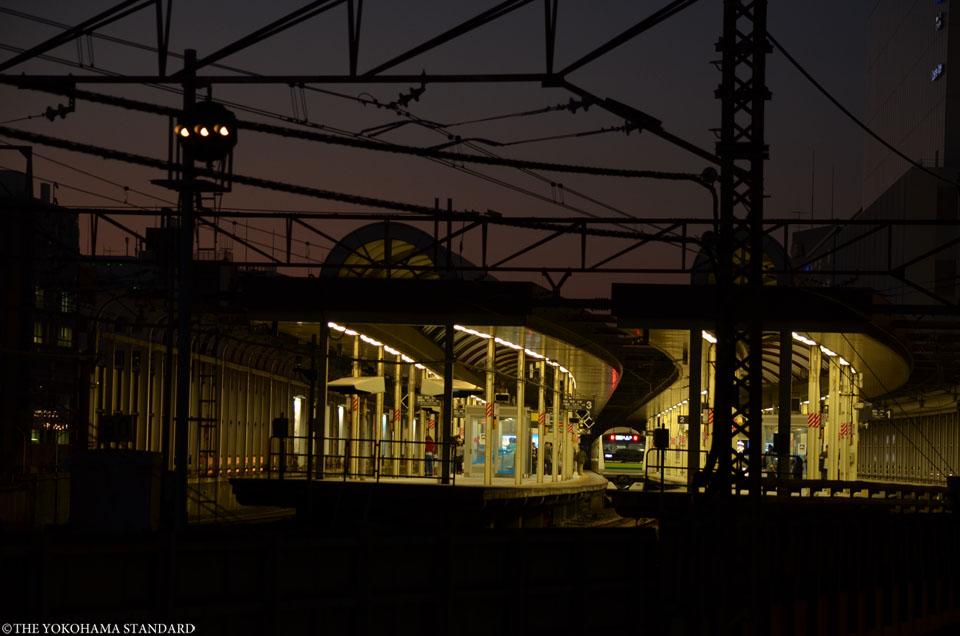 夕暮れの桜木町駅-THE YOKOHAMA STANDARD