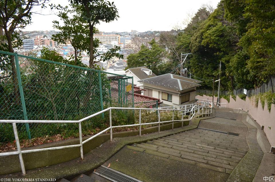 14中区・ワシン坂公園近くの階段坂-THE YOKOHAMA STANDARD