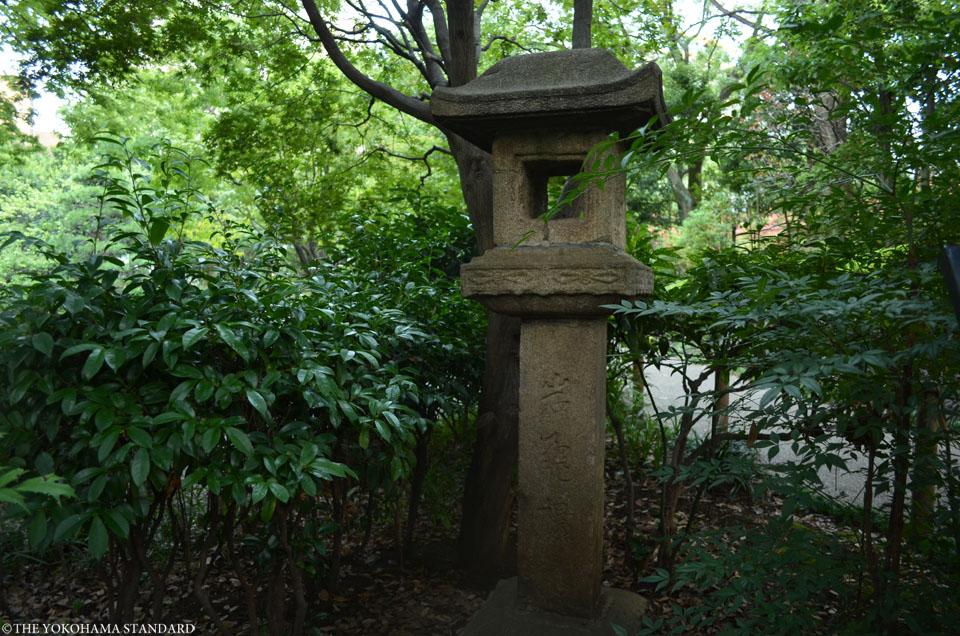 岩亀桜燈籠-THE YOKOHAMA STANDARD