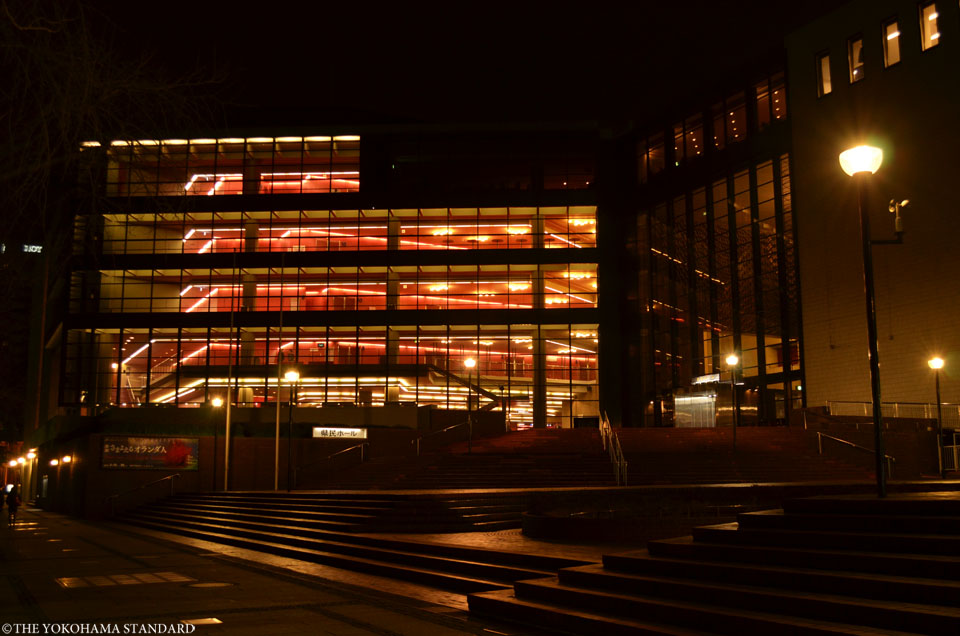 夜の県民ホール-THE YOKOHAMA STANDARD