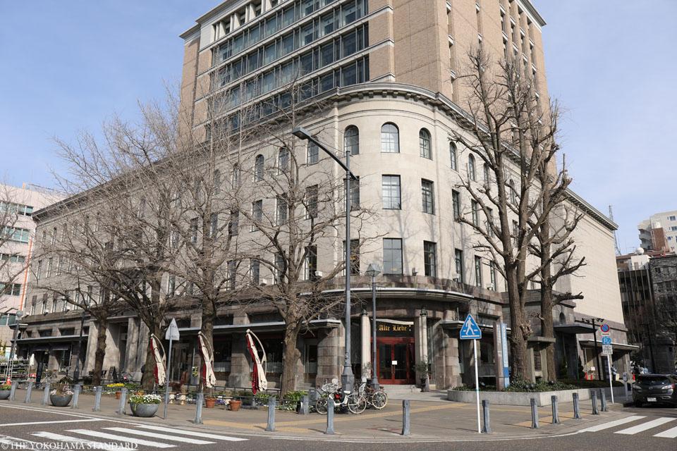 横浜情報文化センター1-THE YOKOHAMA STANDARD