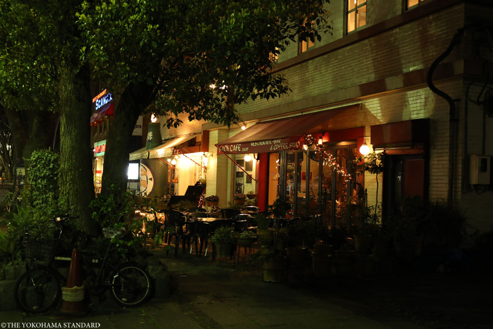 夜のカフェテラスーTHE YOKOHAMA STANDARD